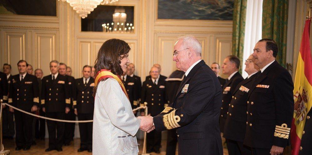 La Cátedra Internacional CEU Elcano recibe la Gran Cruz al Mérito Naval