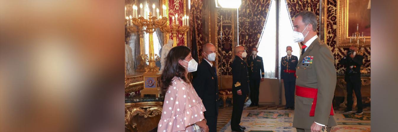 El Rey recibe a la directora de la Cátedra CEU Elcano